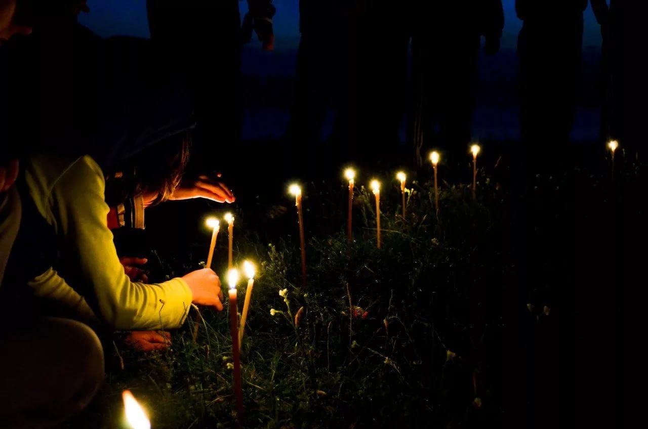 Кладбищенские привороты порчи действует приворот свечи